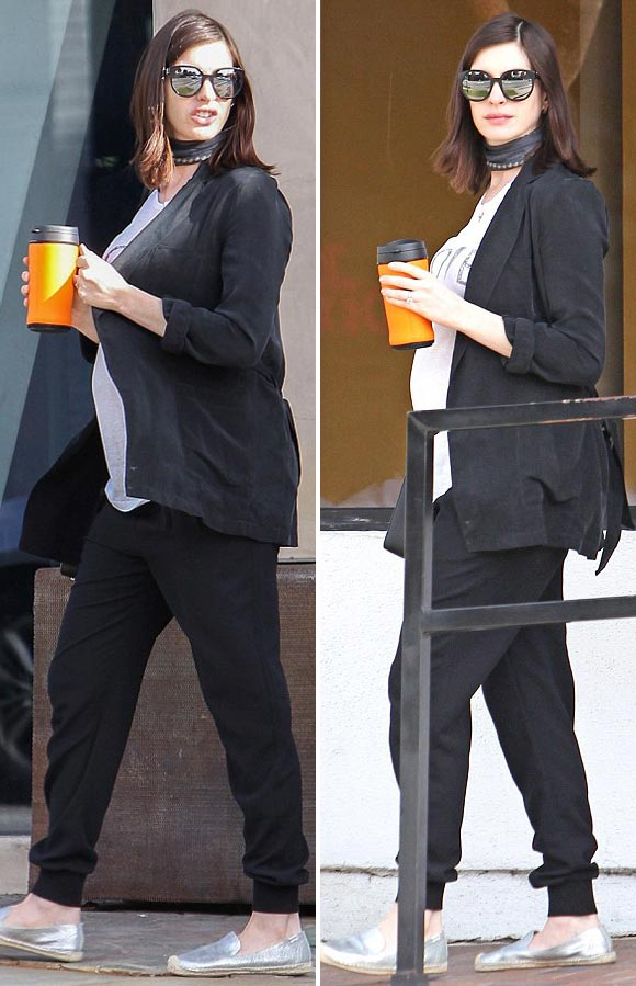 Anne-Hathaway-Pregnant-Husband-jan-2016-07