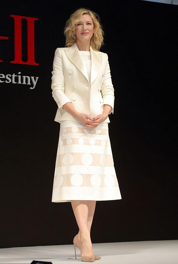 Cate-Blanchett-japan-jan-2016-02