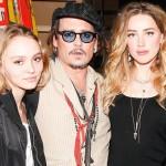 ジョニー・デップ、美人妻アンバー&娘リリーちゃんとファッションイベントに登場!