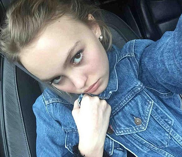 Lily-Rose-Depp-outfit-jan-2016