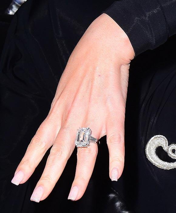 Mariah-Carey-35-carat-sparkler-01