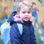 2歳ジョージ王子、リュックサックを背負って保育園に初登園 #最新 #2016 #服 #幼稚園