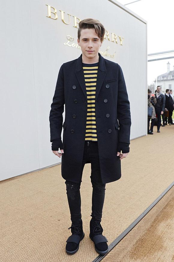 brooklyn-beckham-burberry-show-2016-01