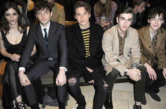 brooklyn-beckham-burberry-show-2016-06