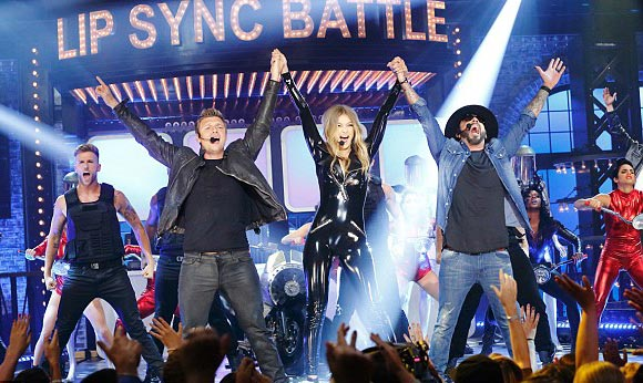Gigi-Hadid-Backstreet-Boys-Lip-Sync-Battle-2016-04