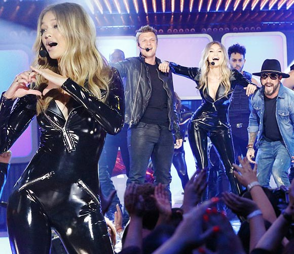 Gigi-Hadid-Backstreet-Boys-Lip-Sync-Battle-2016