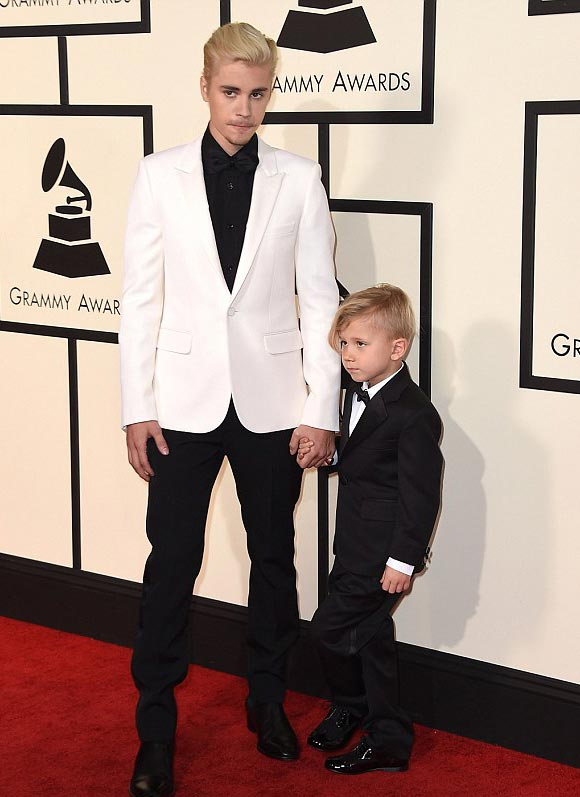 Justin-Bieber-brother-Jaxon-Grammy-Awards-2016-01
