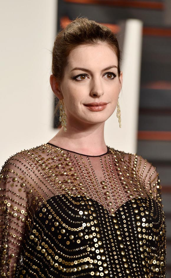 Anne-Hathaway--Oscar-after-Party-2016-05