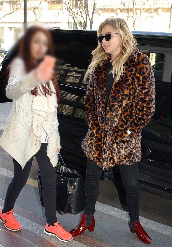 Chloe-Moretz-outfit- Paris-feb-2016-01
