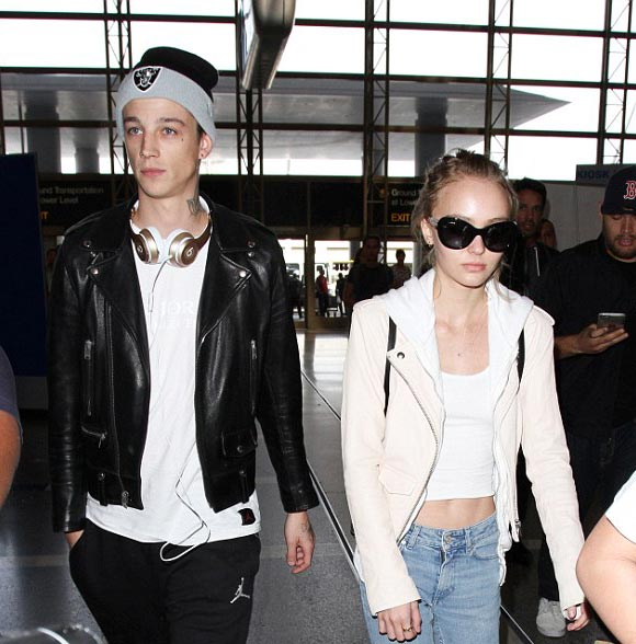 Lily-Rose-Depp-boyfriend-Ash-Stymest-paris-mar-2016-01