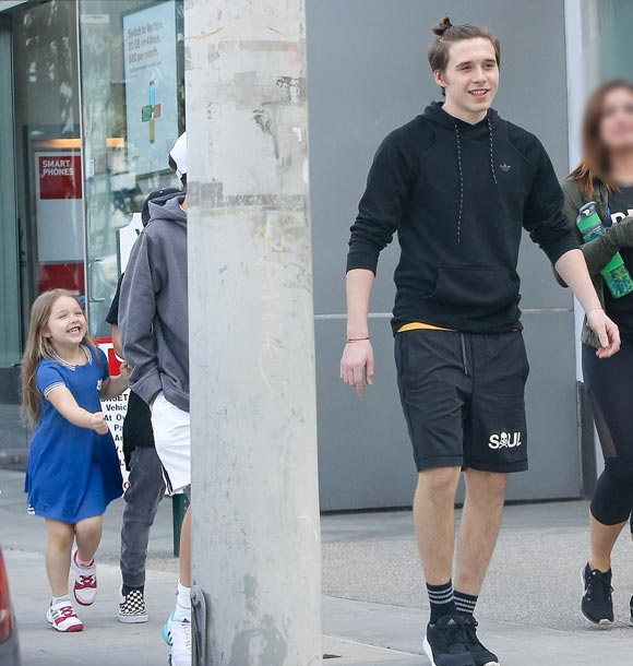Brooklyn-harper-beckham-mar-2016