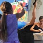 ヴィクトリア・ベッカム、絵を描く娘ハーパーちゃんの写真を投稿!#インスタグラム