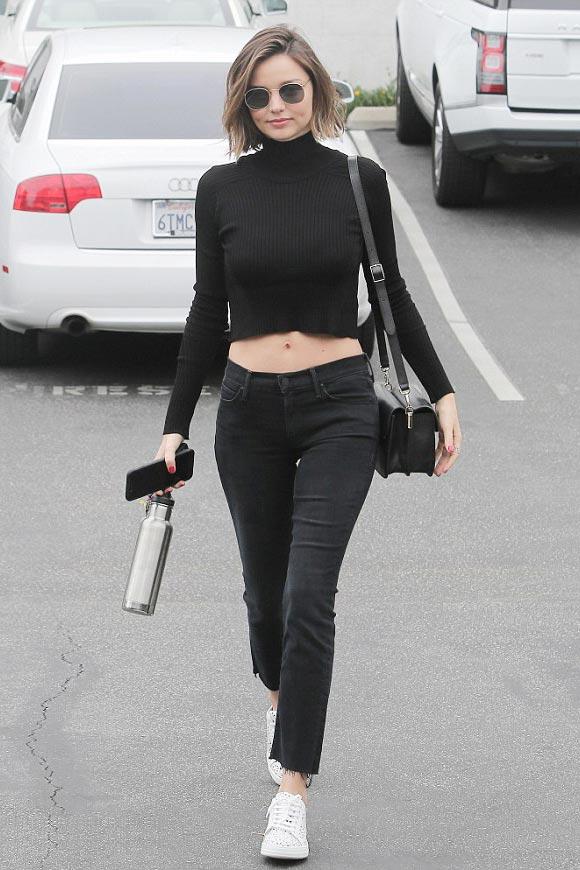 miranda-kerr-black-outfit-2016-03