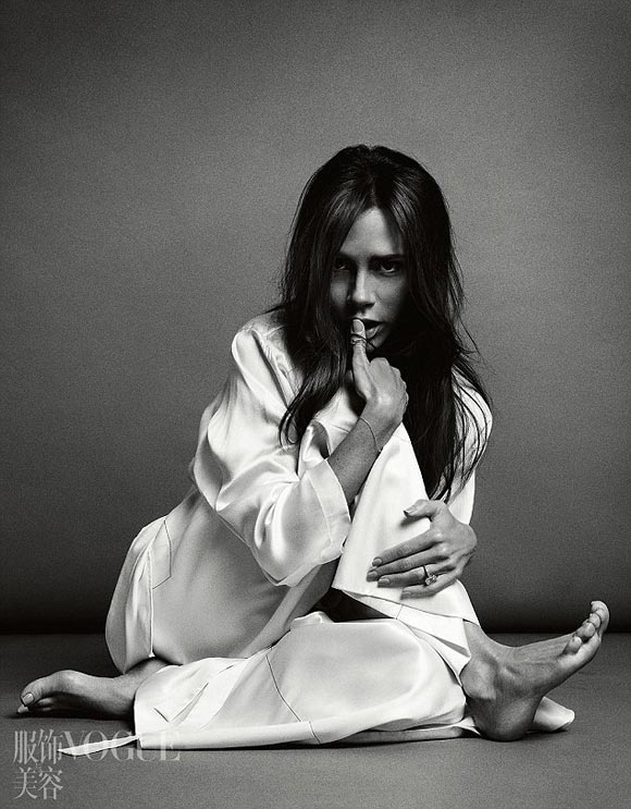 victoria-beckham-vogue-china-2016-05