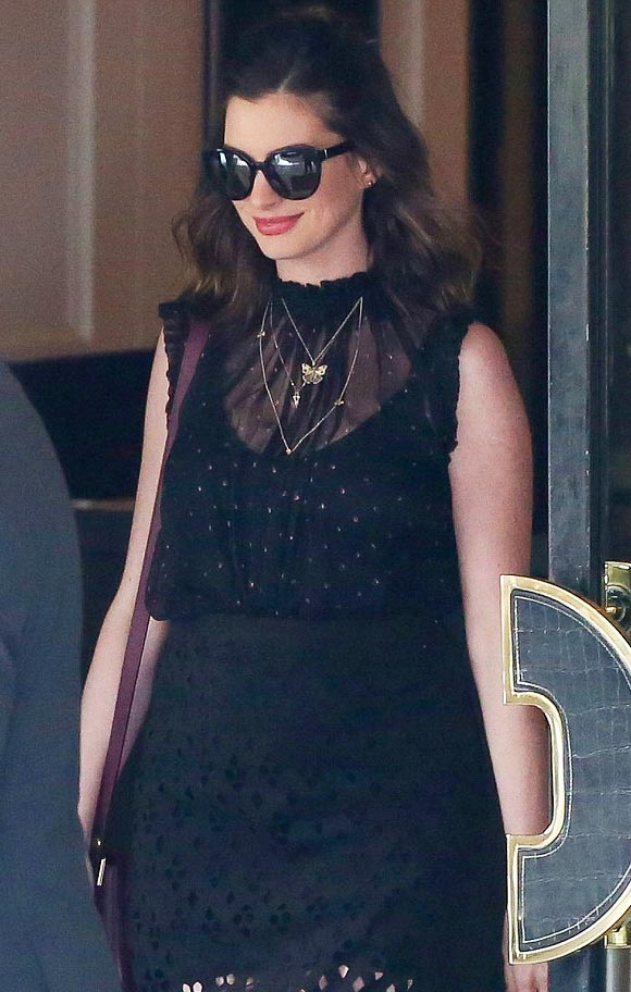 Anne-Hathaway-fashion-april-2016-01