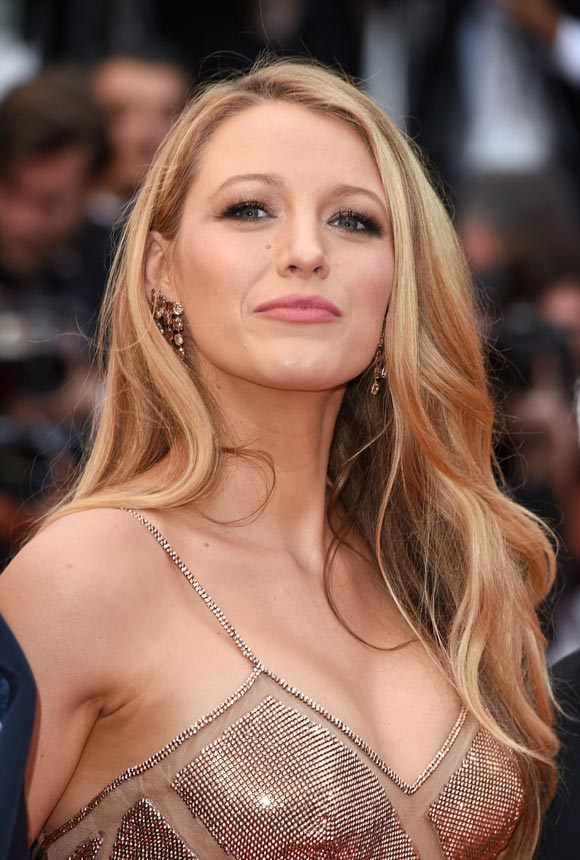 Blake-Lively-Cannes-2016-06