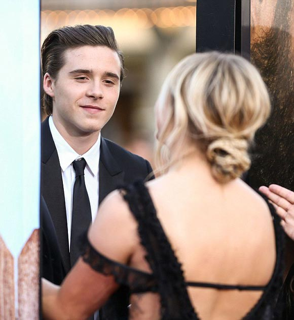 Brooklyn-Beckham -Chloe-Moretz-red-carpet-may-2016-05