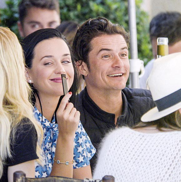 Katy-Perry-Orlando-Bloom-cannes-may-2016-01