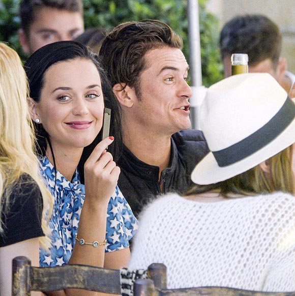 Katy-Perry-Orlando-Bloom-cannes-may-2016-02