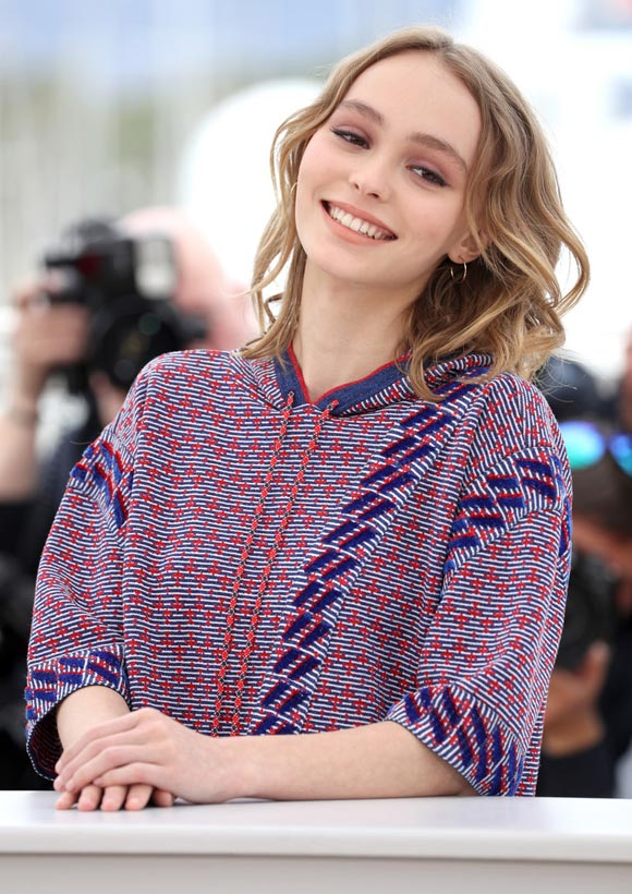 Lily-Rose-Depp-Cannes-2016-06