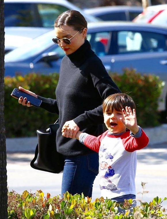 Miranda-Kerr-Son-Flynn-may-2016-01