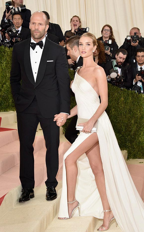 Rosie Huntington-Whiteley-Jason-Statham-Met-Gala-2016-02