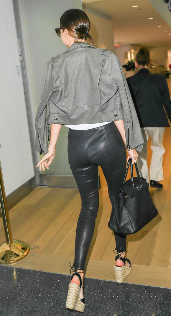 miranda-kerr-outfit-leather-pants-may-2016-05