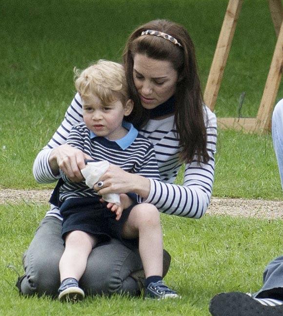 Kate-Middleton-prince-George-may-2016-03
