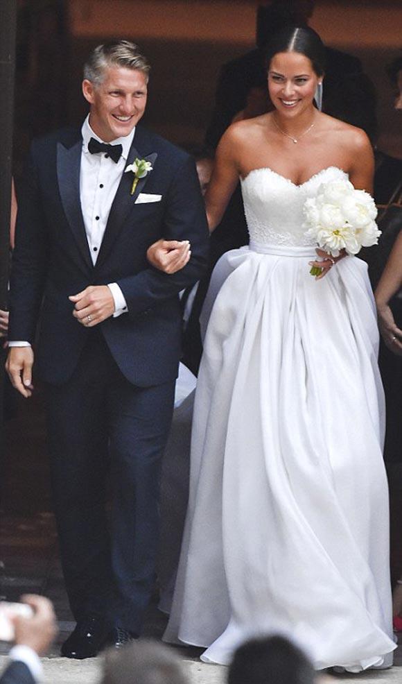 Bastian-Schweinsteiger-Marries-Ana-Ivanovic-21-july-2016-01