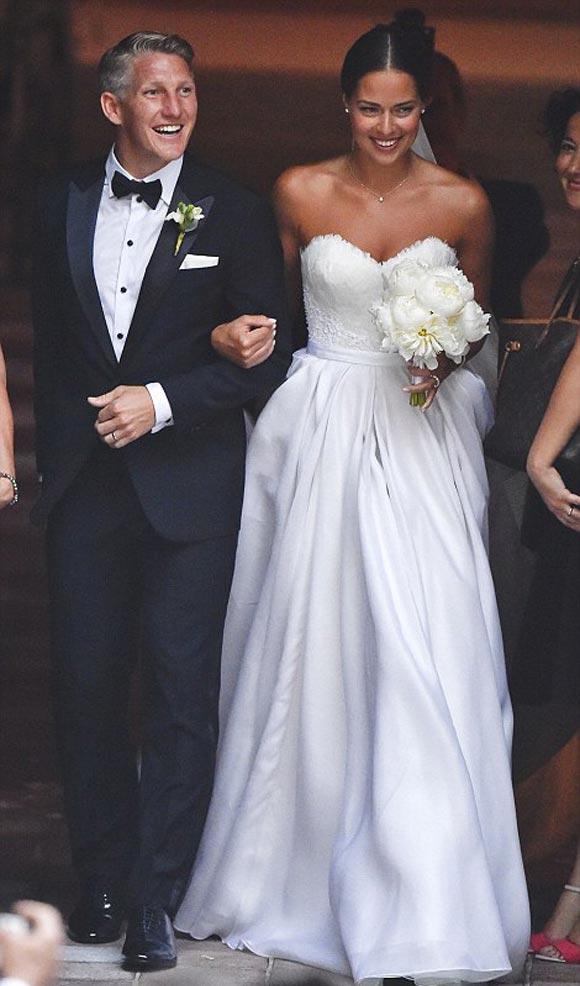 Bastian-Schweinsteiger-Marries-Ana-Ivanovic-21-july-2016-02