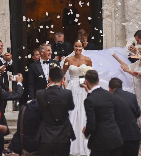 Bastian-Schweinsteiger-Marries-Ana-Ivanovic-21-july-2016-04
