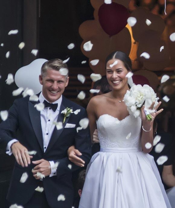 Bastian-Schweinsteiger-Marries-Ana-Ivanovic-21-july-2016-05