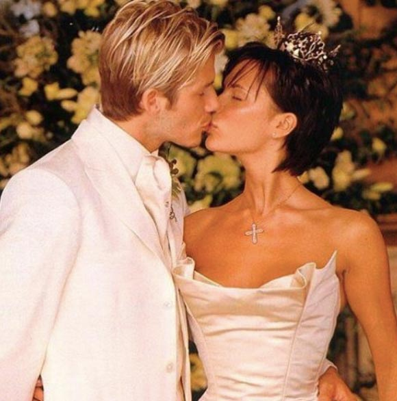 Beckham-17th-wedding-anniversary-02