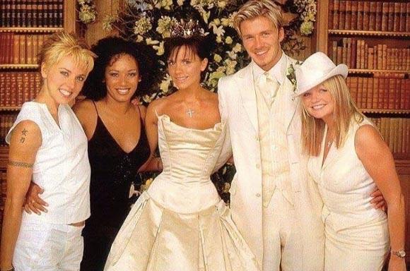 Beckham-17th-wedding-anniversary-03