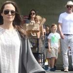 ブラッド・ピット&アンジェリーナ・ジョリー夫妻、子供たちと買い物へ
