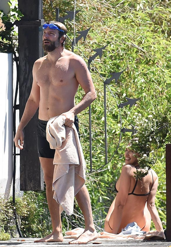 Irina Shayk-Bradley Cooper-july-20-2016-01
