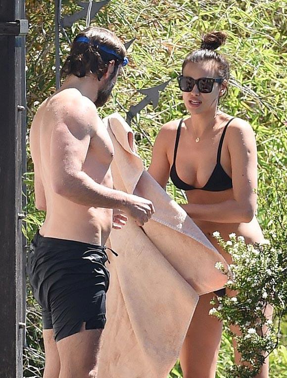 Irina Shayk-Bradley Cooper-july-20-2016-02