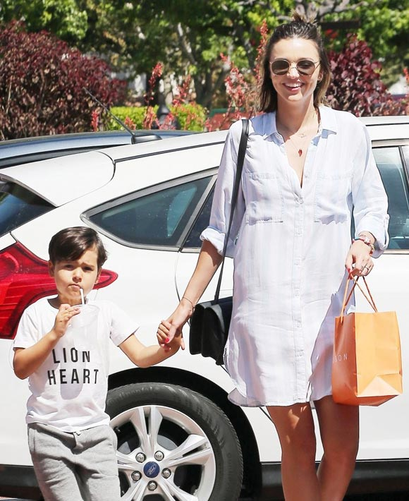 Miranda-Kerr-Son-Flynn-16-july-2016-03