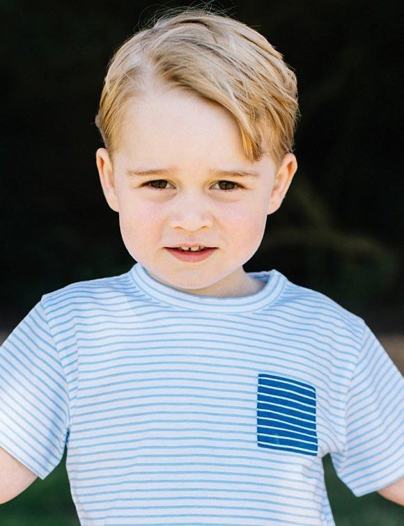 Prince-George-3rd birthday-july-22-2016-05