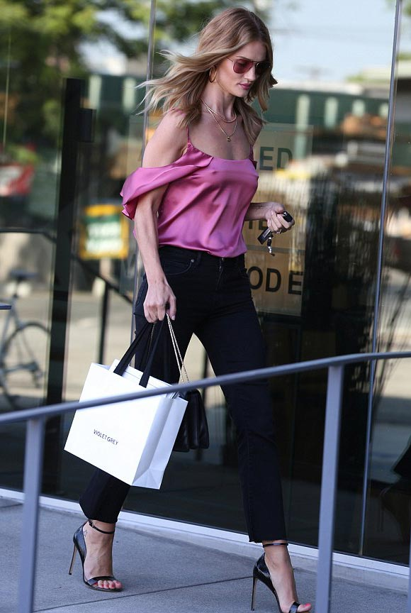 Rosie-Huntington-Whiteley-outfit-12-july-2016-01