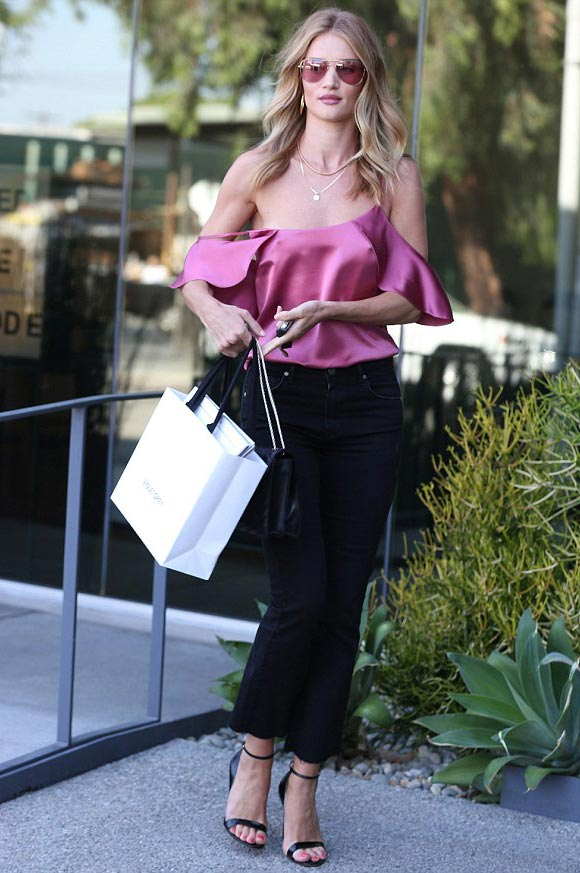 Rosie-Huntington-Whiteley-outfit-12-july-2016-02