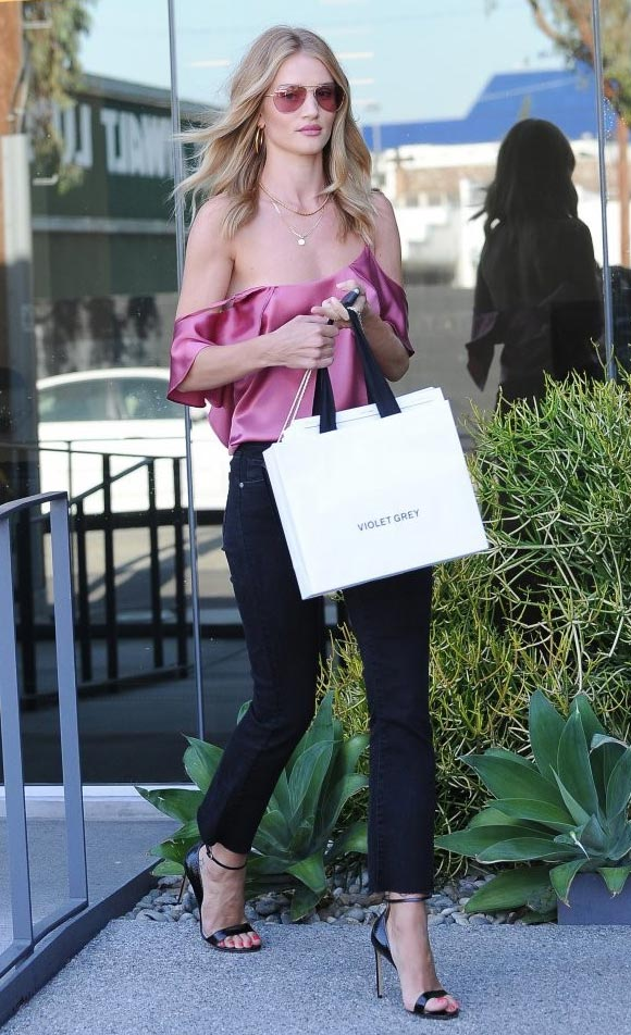 Rosie-Huntington-Whiteley-outfit-12-july-2016-03