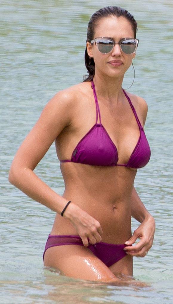 jessica-alba-bikini-july-2016-01