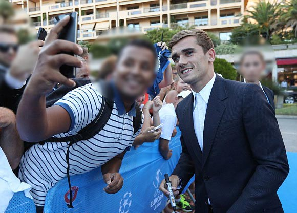 Antoine-Griezmann-UEFA-Best-Player-2016