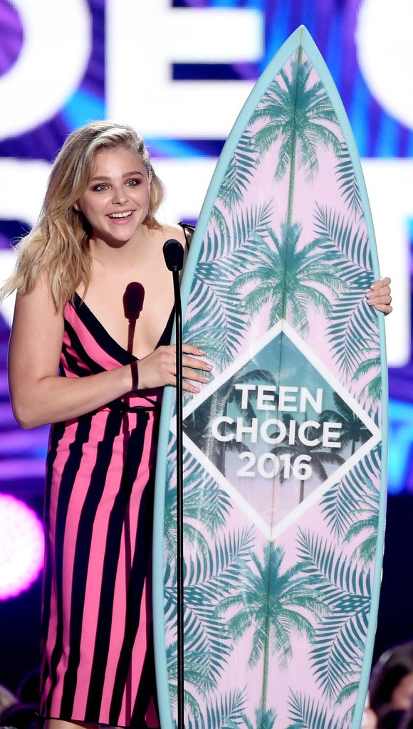 Chloe-Moretz-Teen-Choice-Award-2016