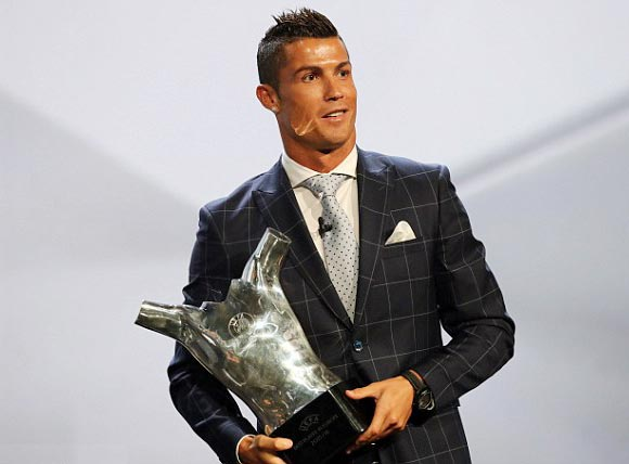 Cristiano-Ronaldo-UEFA-Best-Player-2016-04