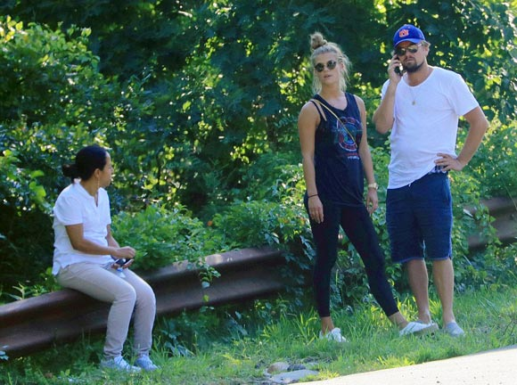 Leonardo-DiCaprio-Nina-Agdal-car-crash-aug-2016-01