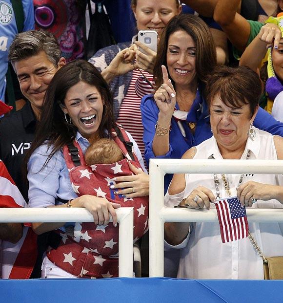 Michael-Phelps-fiance-Nicole-Johnson-son-Boomer-rio2016-05