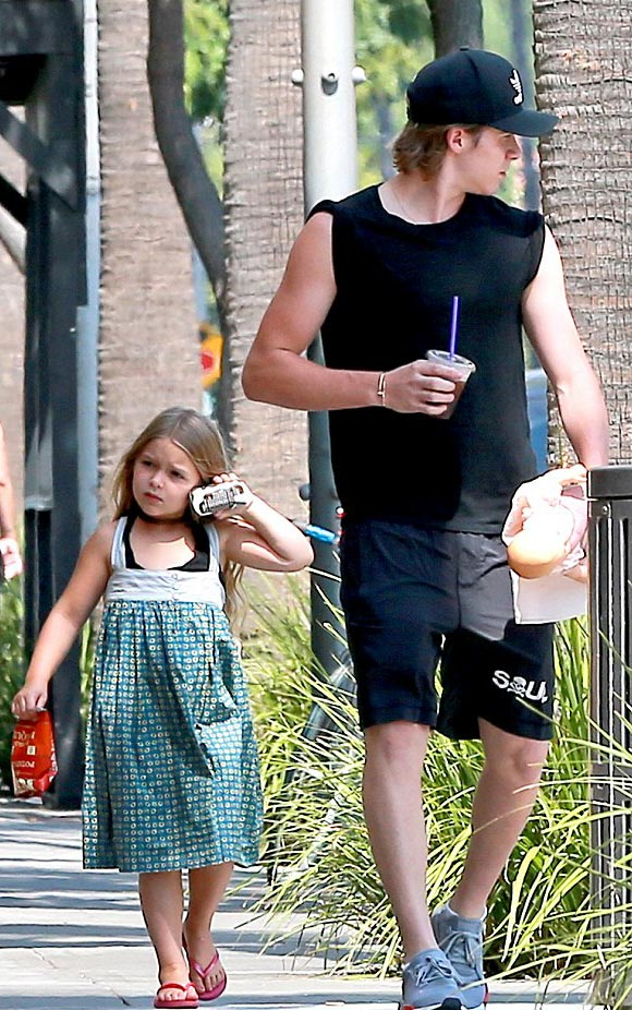 brooklyn-harper- beckham-aug-2016-02