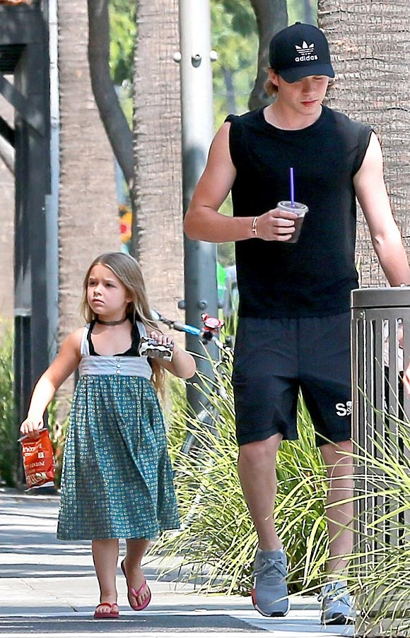 brooklyn-harper- beckham-aug-2016-05
